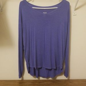 Very stretchy long sleeve